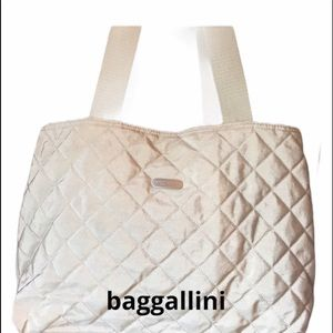 Baggallini Travel Bag in Beige 3 Compartments EUC